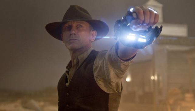 Un vaquero distinto: Jake Lonergan tiene un grillete misterioso y sabe el secreto para luchar contra los extraterrestres.