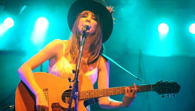 """Deborah de Corral presentó su debut """"Nunca o una eternidad"""" en Buenos Aires."""