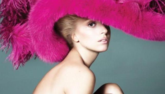 Lady Gaga perdió la corona de la famosa con más fans en las redes sociales.