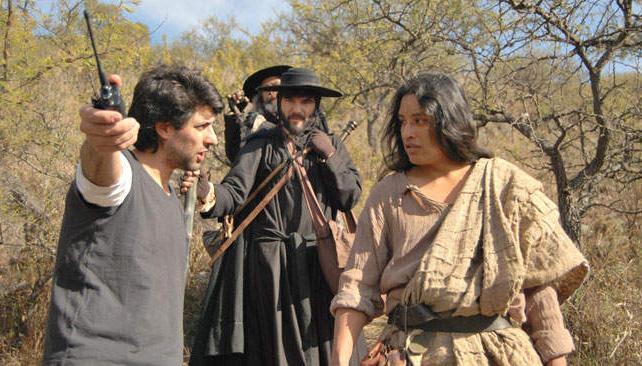 Fernando Lacolla durante la grabación, con actores, de los cinco episodios de la miniserie.