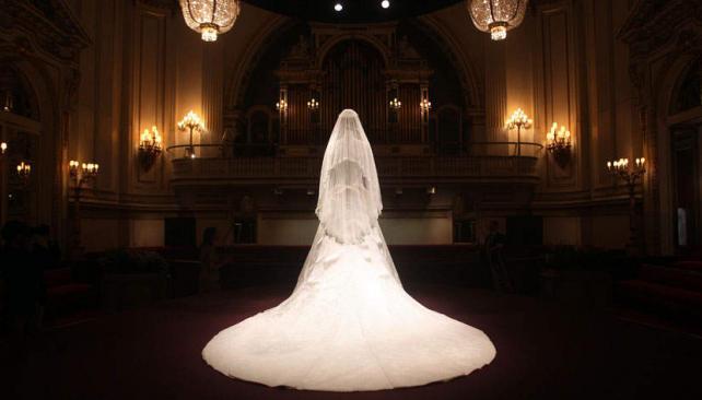 EXHIBICIÓN. El vestido de Middleton, exhibido en Londres