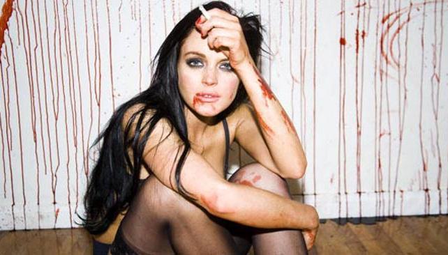 LINDSAY, ASESINA. La actriz y una nueva provocación. Foto: Tylershields.com