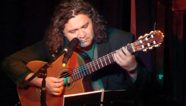 LUCHO HOYOS. El reconocido músico tucumano pasará por Córdoba.