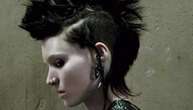 ROONEY MARA. La actriz, lookeada como el personaje de Lisbeth Salander.
