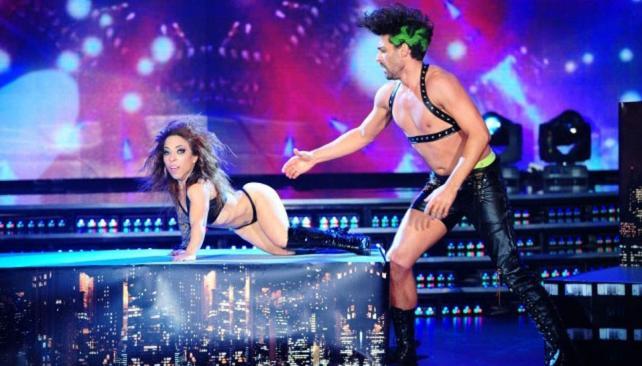 Hernán Piquín y Noelia Pompa no alcanzaron a sacarse toda la ropa durante el strip dance.