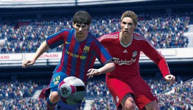Messi y Torres codo a codo en el Pro Evo 2010.