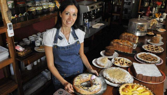 A partir de las recetas de su abuela Tita, la chef Paula Massuh nos invita a meter las manos en la masa.