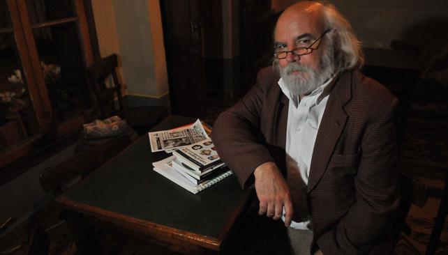 Juan Sasturain conduce por Encuentro el programa Continuará..., dedicado a la historia del cómic.