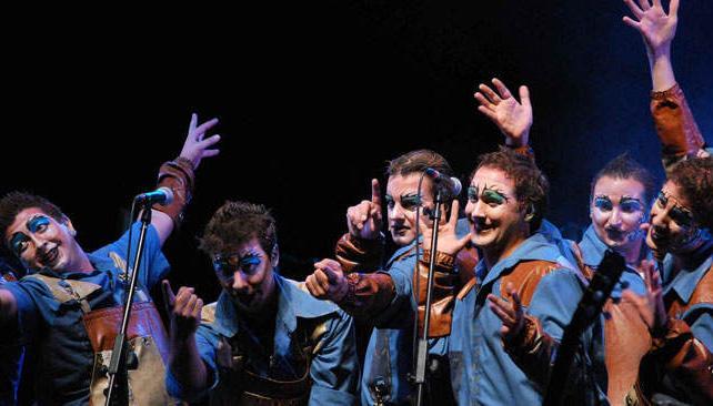 La Trasnochada reúne a un grupo de amigos de la infancia de cuna carnavalera.
