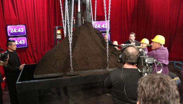Tusam se somete a una nueva prueba de resistencia en Sábado Show.