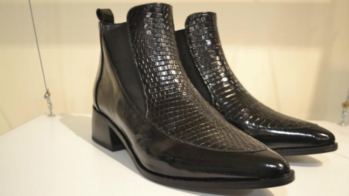 Zapatos cómodos, estilosos y hechos en Córdoba, en un showroom de pleno centro