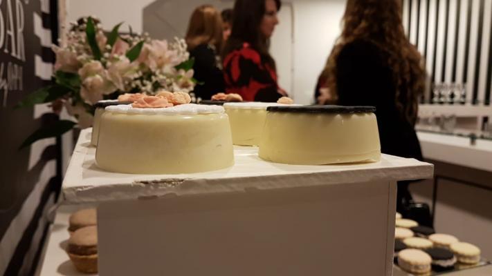 Abrió el primer Nails Bar de Córdoba: salón de belleza con barra de tragos
