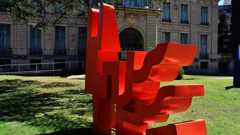 El parque del Museo Evita Palacio Ferreyra, un nuevo lugar expositivo. (Fotos, prensa Metal Arte).