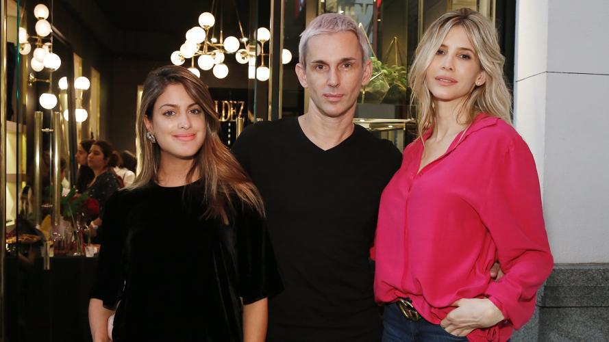 Chicas y chicos con onda: 15 looks de famosos para asistir a eventos