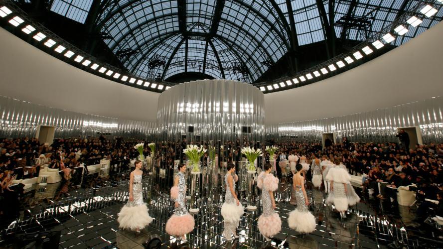 Karl lo hizo de nuevo: suspiros tras el desfile de Chanel en París