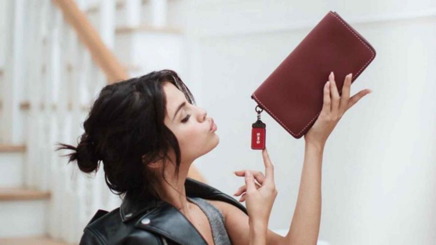 Selena Gomez y su mega oferta para diseñar carteras