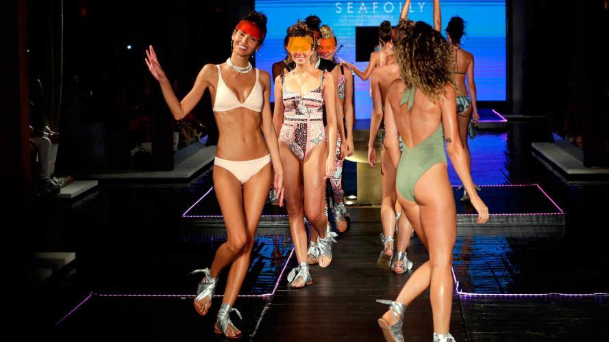 Cuerpazos en la Swim Week de Miami: ¡la bikini vuelve con todo en 2018!