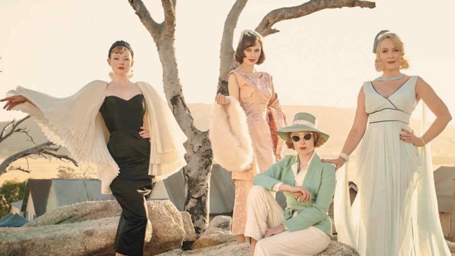 Llega una película donde la moda fascina