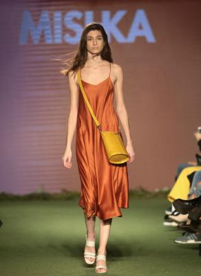 Primer día de Estilo Córdoba: novedades en trajes de baño, influencia flamenca y más