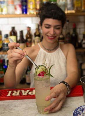 Mirá cómo es Musa, el trago que inspiramos a una genial bartender
