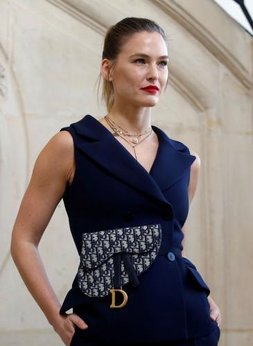 Los looks de Cara Delevingne y Jennifer Lawrence en el desfile de Dior