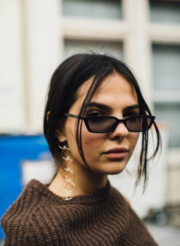 Decile chau a las gafas grandes durante este otoño-invierno