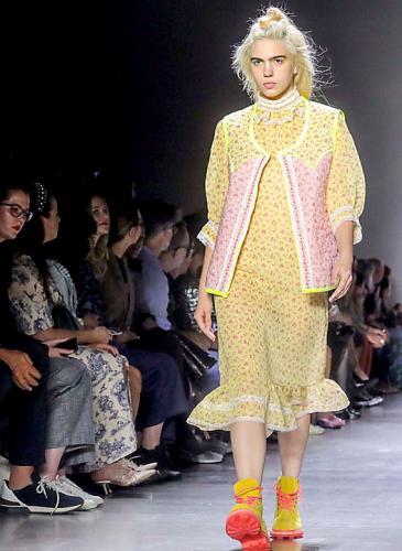 Anna Sui presentó su última colección en la New York Fashion Week