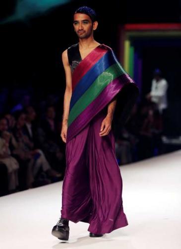 Nueva Delhi se vistió de arco iris para celebrar la inclusión en India