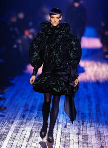 Marc Jacobs retomó la moda de 1980 (que será