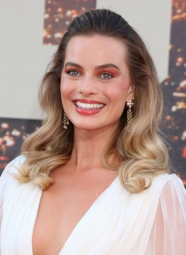 Margot Robbie brilló en la alfombra roja de