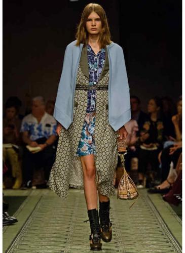 Lo veo, lo compro: la nueva estrategia de Burberry en la Semana de la moda de Lodres