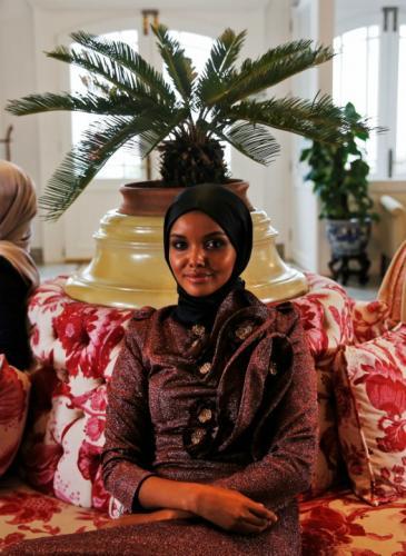 La modelo somalí que se instaló en la moda internacional sin quitarse el velo