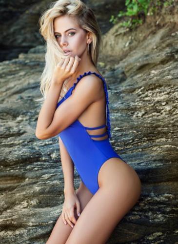 ¡Preciosa! La modelo que trabaja con Pico Mónaco es un catálogo de tendencias