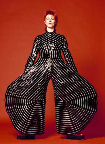 6 looks para recordar a David Bowie