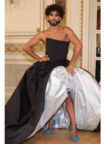 ¿El Billy Porter argentino? Gabo Usandivaras usó un vestido para la foto del