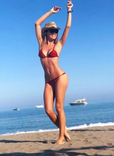 Las fotos de Pampita en Ibiza: ¿demasiado delgada?