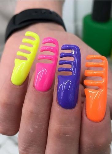 Las uñas que se hicieron virales por extravagantes (e incómodas)